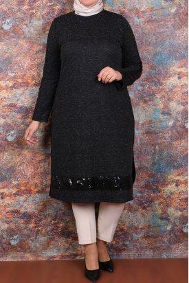 8340 Büyük Beden Pul Payet Detaylı Tunik-Siyah